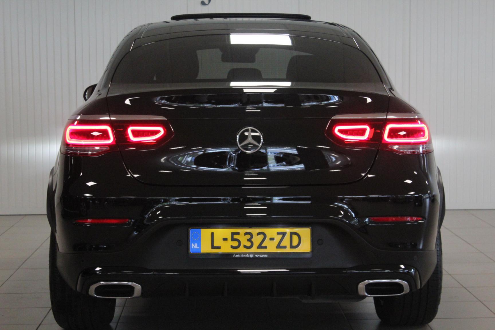 Mercedes-Benz-GLC-8