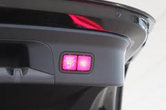 Mercedes-Benz-GLC-33