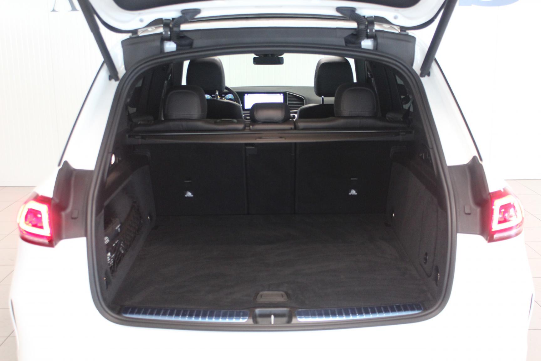 Mercedes-Benz-GLE-28