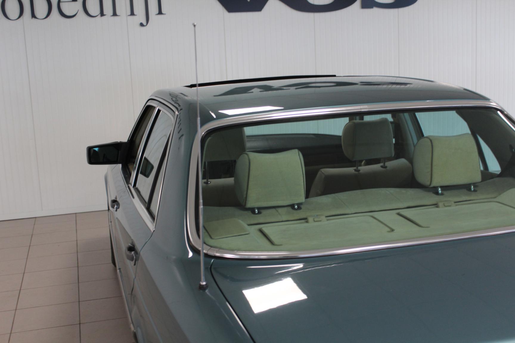 Mercedes-Benz-S-Klasse-25