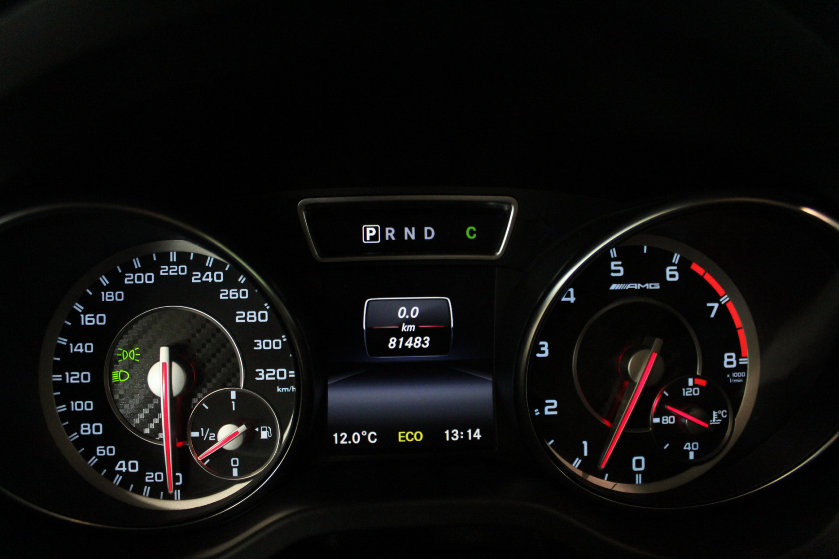 Mercedes-Benz-GLA-30