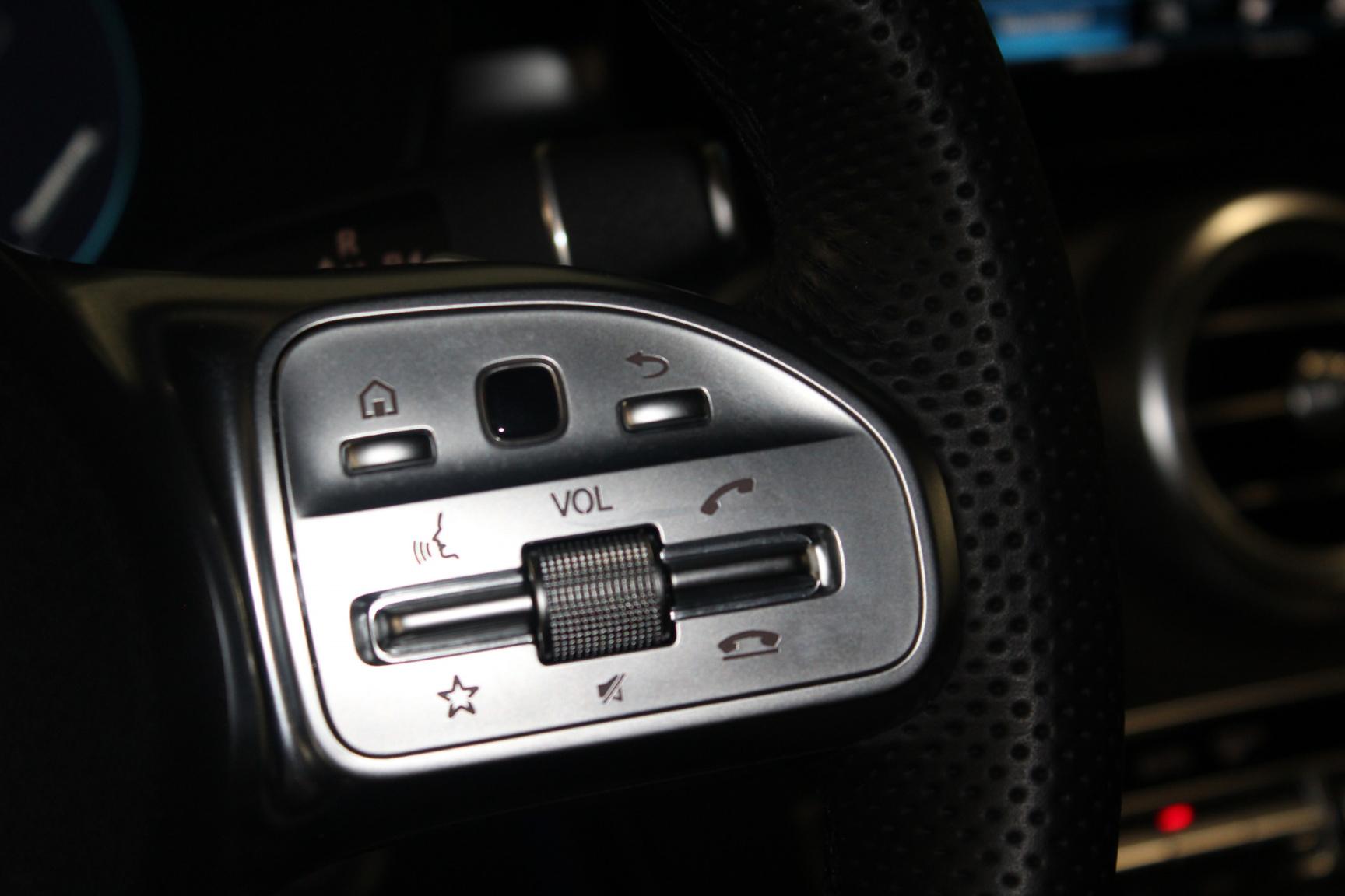 Mercedes-Benz-GLC-29